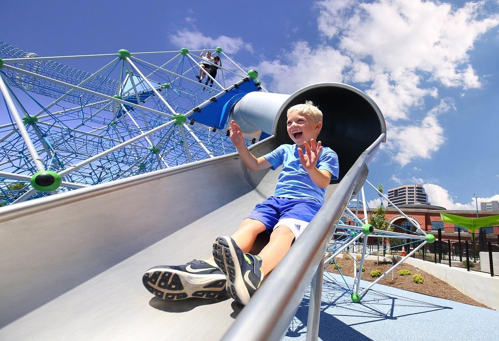 Slide-legeplads